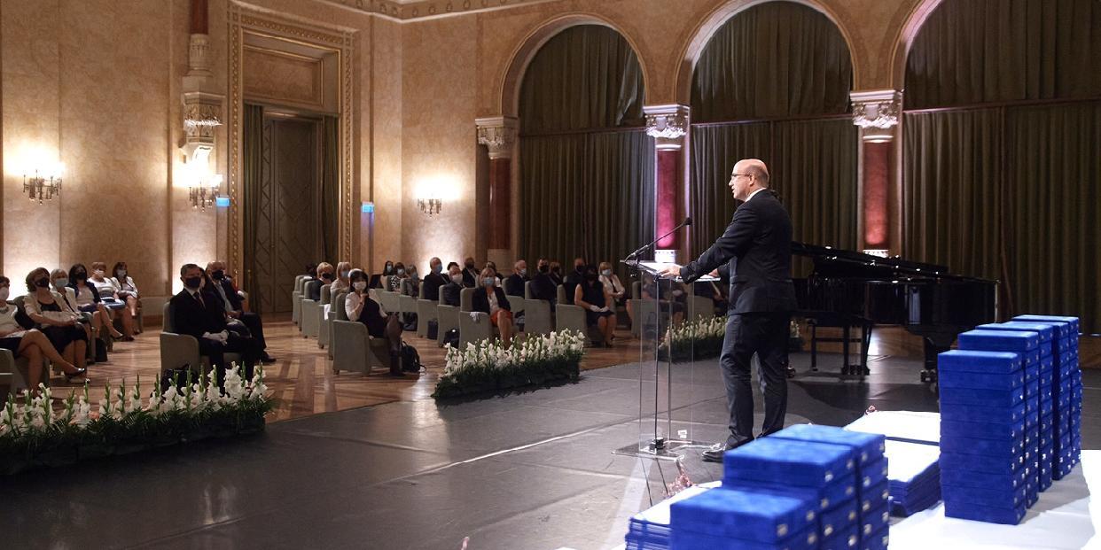 Országos elismerésben részesültek a pilisvörösvári pedagógusok